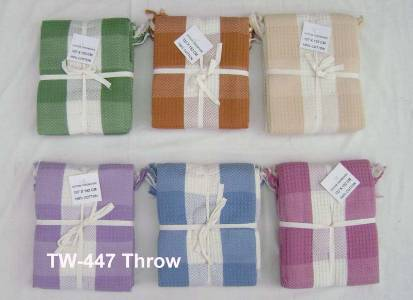 100 organic cotton hotel bedspreads in white and dyed fabric sets supplied in wholesale from our factories in karuru in India.