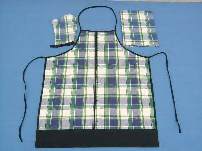 Aprons and gloves suppliers, manufacturing aprons and gloves using best quality yarn dyed cotton fabric in our factories in India.