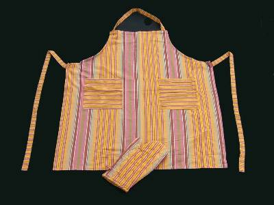 Wholesalers of best quality yarn dyed stripes aprons and cotton gloves manufactured from our factories in karur in india.